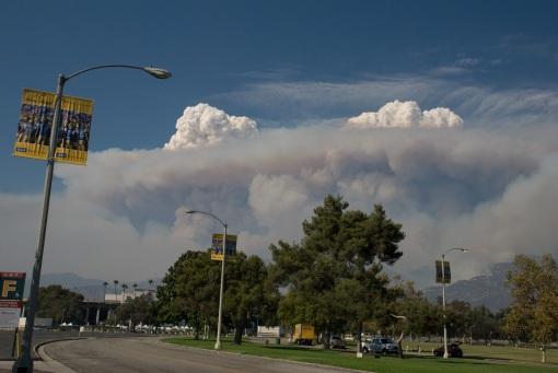 Fire above Altadena Sunday Aug. 30, 2009